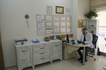 Özel İzmir Akademi Ağız ve Diş Sağlığı Polikliniği